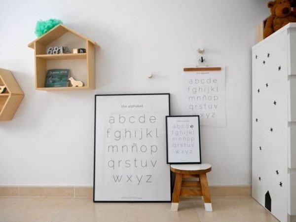 Conjunto de láminas The Alphabet en habitación - Ilustración Niños Profesores